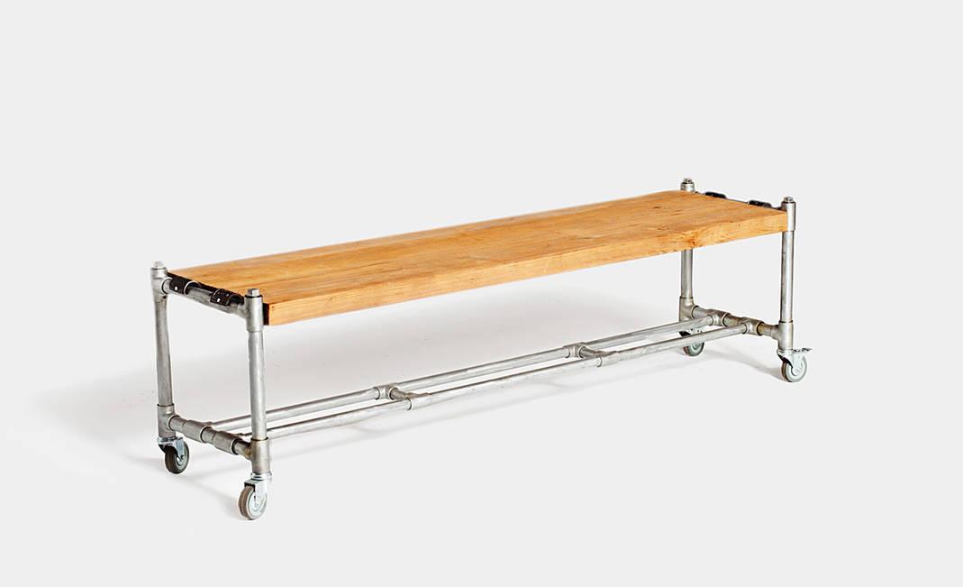 Alquiler banco de madera for Bancos de bar de madera