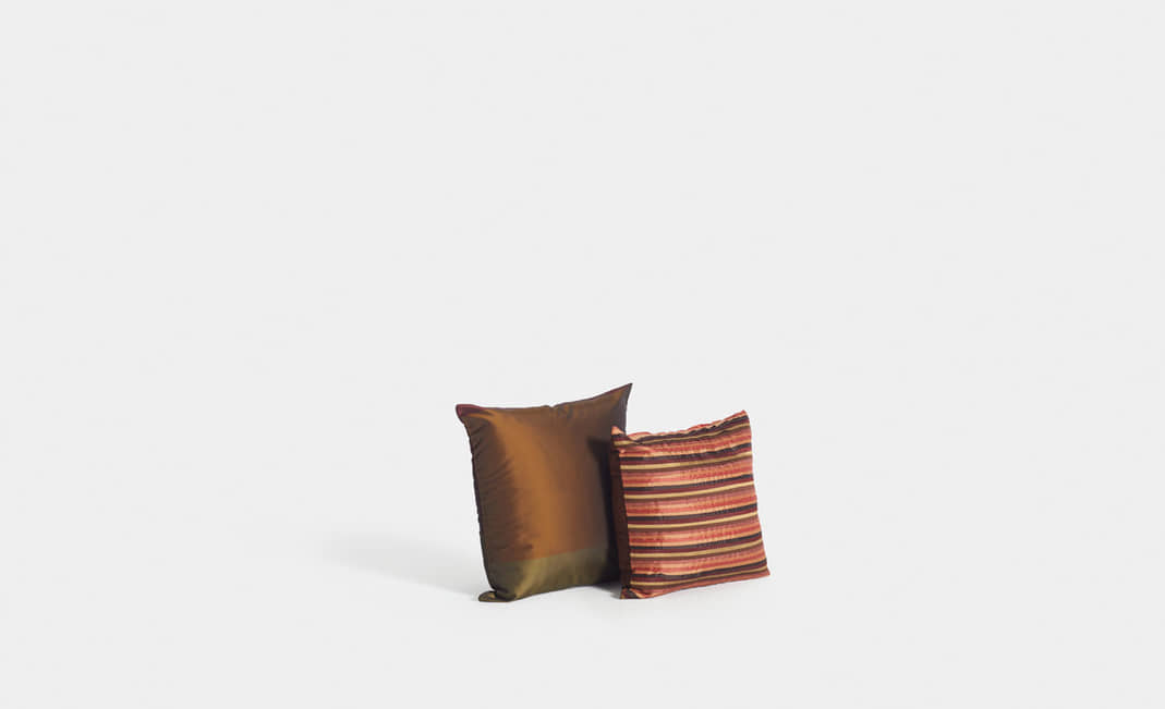 Golden cushions | Crimons