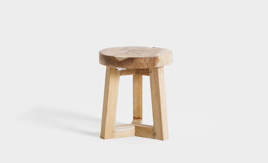 Taburete bajo madera
