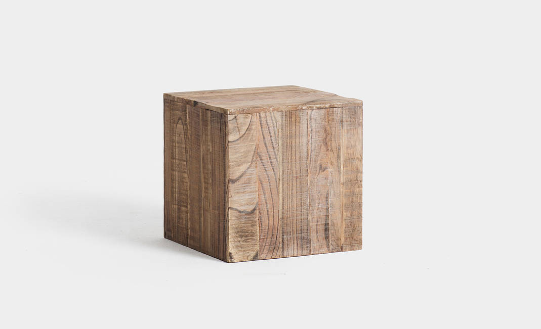 Wooden cube | Crimons