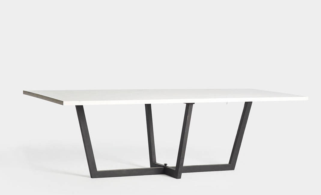White rectangular wooden table  | Crimons