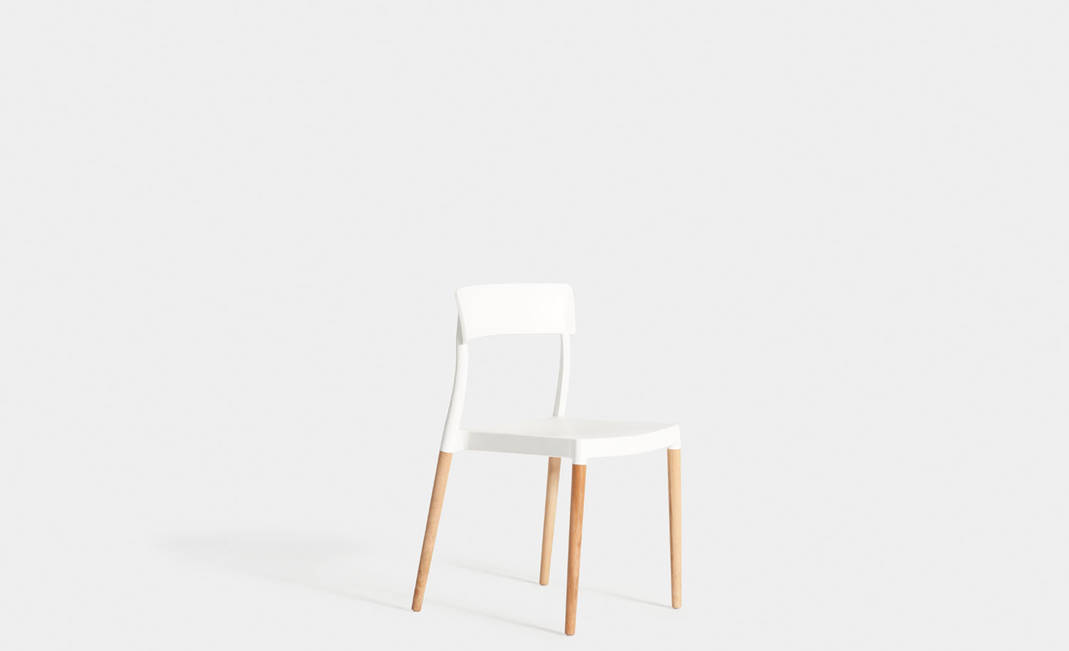 Oslo white chair | Crimons