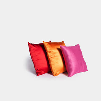 Colored cushions | Crimons