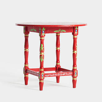 Red sevillian table | Crimons